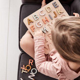 kids concept abc alfabet puzzel