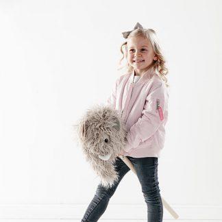kids concept mammoet stokpaard noe