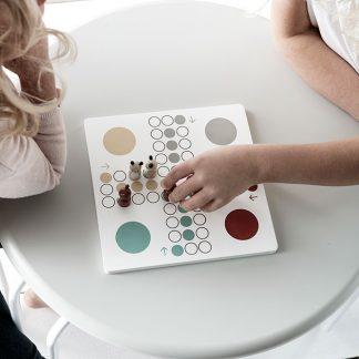 kids concept mens erger je niet houten bordspel